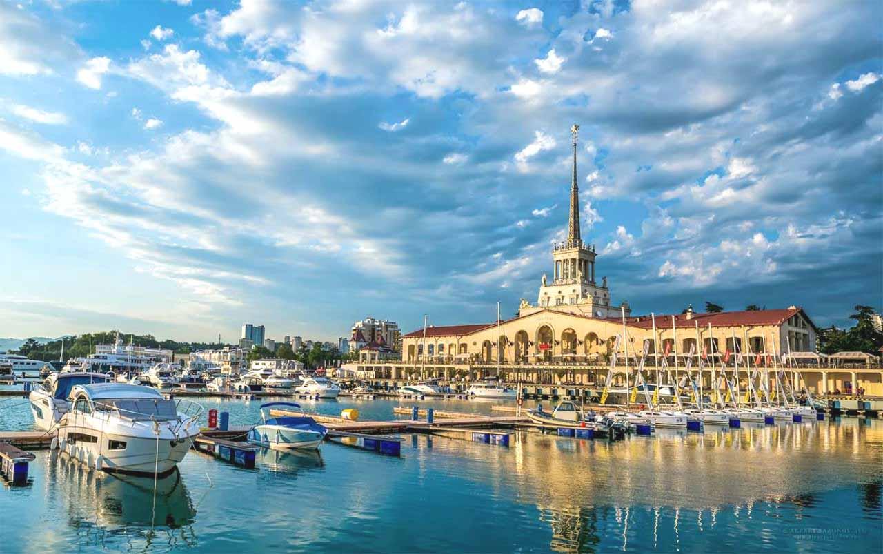 Морской порт город Сочи