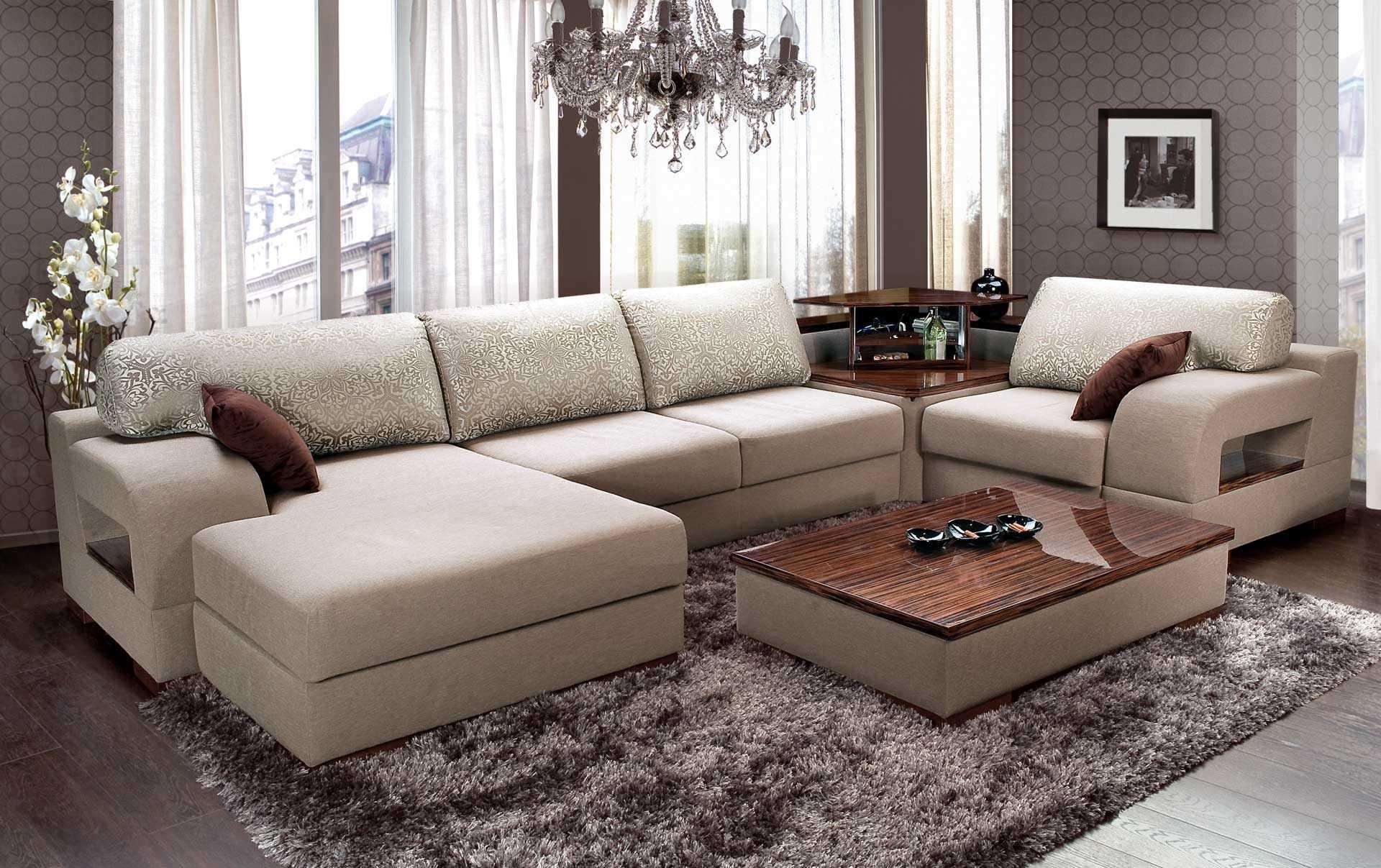 variant-neobychnogo-dekora-gostinoj-s-divanom