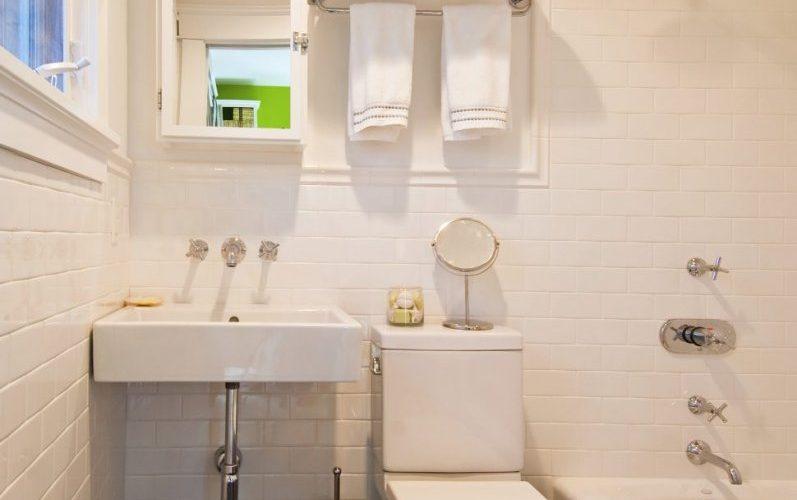 уютная маленькая ванная