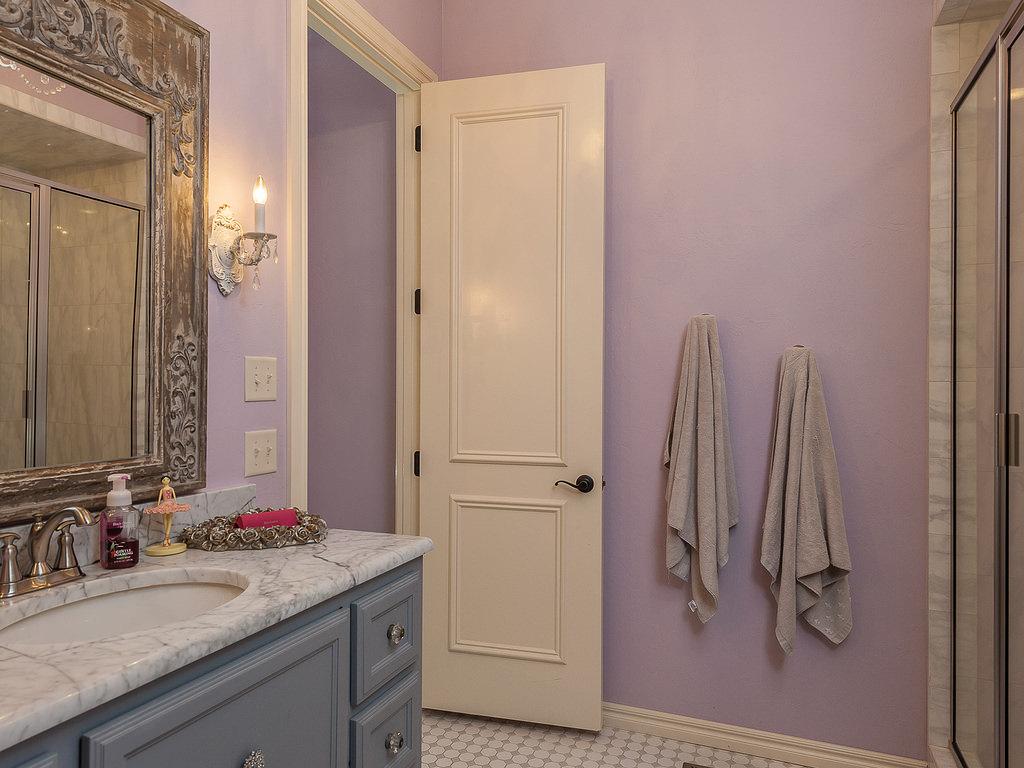 Двери-в-ванной